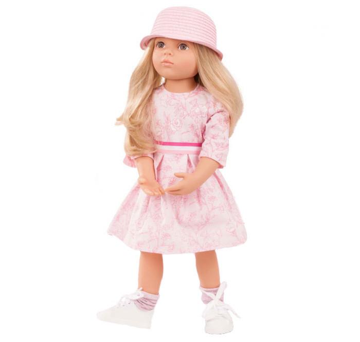 Gotz Кукла Эмма 50 смКукла Эмма 50 смGotz Кукла Эмма - эта очаровательная кукла непременно понравится каждой девочке.  Кукла с твердым виниловым подвижным телом подходит для активных игр дома и на улице. Куклу можно переодевать и делать различные прически. Кукла имеет длинные русые волосы, которые прочно вшиты для избежания выпадения во время активных игр детей. У куколки 9 точек артикуляции на плечах, бедрах, коленях и шее, что делает ее гибкой и подвижной. Глазки у куклы не закрываются.  На куколке платье с цветами в нежных розовых тонах, длинные белые гольфы и серебристые балетки. Длинные мягкие волосы куклы распущены, украшены розовыми заколками.  Кукла, одежда и аксессуары выполнены из качественных материалов с учетом необходимых стандартов, соответствующих европейским нормативам. Куклу можно мыть, для поддержания одежды в опрятном виде рекомендуется щадящая машинная стирка при температуре 30 градусов.<br>