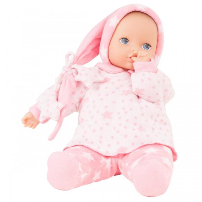 Gotz Кукла Baby Pure МалышкаКукла Baby Pure МалышкаGotz Кукла Baby Pure Малышка - этот пупс станет любимой куклой вашей девочки с самого раннего возраста и позволит придумать множество сюжетов для игры.  Основное внимание в этой серии уделено безопасности, долговечности и экологии. Поэтому куклы из этой серии имеют виниловое только лицо и ручки и неподвижную мягконабивную головку. Таким образом, кукла выглядит, как обычный пупс, но весит намного меньше, и малыши не могут повредить ее.  Мягкое тело позволяет придавать кукле различные позы. У пупса милое реалистичное лицо с нарисованными неподвижными глазками. Голова пупса не поворачивается. Малышка одета в уютный розовый костюмчик со звездочками и колпачок с длинным хвостиком. Одежда с малышки не снимается и не меняется, она прочно пришита к телу.  Реалистичный пупс стимулирует раннее развитие ребенка, развивает речь и логическое мышление, моторные навыки. Кукла приучает ребенка к ответственному и самостоятельному принятию решений, а также помогает весело и интересно проводить время с качественными игрушками.<br>