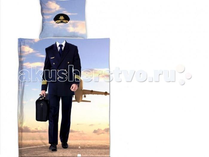 Постельное белье Sleep &amp; Smile Пилот 1,5-спальноеПилот 1,5-спальноеSleep & Smile Постельное белье Пилот 1,5-спальное. Набор полутороспального детского постельного белья премиум класса от российского бренда Sleep & Smile, изготовлен из материалов высочайшего качества. Использование новейших технологий, позволило художникам создать уникальный дизайн, красочность и реалистичность которого, создаёт небывалый 3D эффект.  Верхняя и нижняя части пододеяльника и наволочки изготовлены из 100% натурального хлопка, премиум сатина, обеспечивающего блеск ткани и ее мягкость. Изображение нанесено высокоточной цифровой печатью, а значит изображение не покраситься и никогда не потускнеет.  Пододеяльник для удобства - на молнии. Наволочка с запахом. Каждый комплект упакован не только в прозрачный пакет-клапан, но и  в эффекную дизайнерскую упаковку-конверт из фетра, толщиной 2-3 мм желтого-горчичного цвета. На лицевой части упаковки, имеется крышка, на липучках, которая при помощи обрамненного люриксом отверстия, ярлыка с инфо и бичевкой, крепиться к остальной упаковки при помощи петли. С обратной стороны пришивная полиграфия из натуральной ткани с дизайном постельного белья. Изображение нанесено при помощи той же цифровой печати, которая применяется для разработки самого белья.<br>