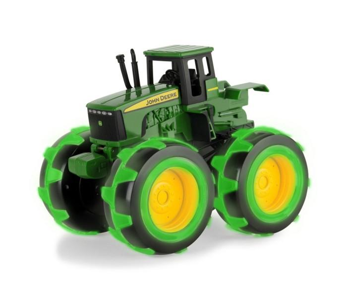 Машины Tomy Трактор John Deere Monster Treads с большими колесами с подсветкой машины tomy трактор john deere 6210r