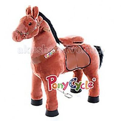 Каталка Ponycycle Рыжая лошадка большая РА6171Рыжая лошадка большая РА6171Каталка Ponycycle Рыжая лошадка большая РА6171 - удивительная игрушка, которая позволит Вашему малышу ощутить себя настоящим наездником.  Лошадка полностью механическая, она не требует ни батареек, ни аккумуляторов. Для того, чтобы лошадка поехала, нужно сесть в седло, а затем садиться и привставать, опираясь на педали-стремена.  Чем активнее малыш будет садиться и привставать в седле, тем быстрее поскачет лошадка.  Лошадка может ехать не только прямо. Она может совершать плавные повороты. За ушами лошадки есть деревянные рукоятки-держатели, малыш поворачивает их как руль велосипеда, и лошадка движется направо или налево, может совершить разворот. Назад Чернобурка не едет, чтобы иметь возможность взбираться в горку и не откатываться (стопором служит стальной хомут, который не дает колесу прокручиваться назад).  Мягкая плюшевая шерсть, роскошная грива, удобные рукоятки и седло приведут в восторг юного всадника.  Отличия усиленной модели для проката от бытовой модели для домашнего использования: мех усиленной модели имеет больше молний, позволяющих снять его для чистки внутренний каркас усиленной модели выполнен из стали большей толщины, чем каркас бытовой модели корпус усиленной модели выполнен из армированного стекловолокна и поролона, у бытовой – из пенопласта усиленные модели оснащены более износоустойчивыми колесами усиленная модель имеет регулировку высоты педалей (2 положения), у бытовой модели педали зафиксированы в одном положении противооткатный механизм усиленной модели заложен внутри барабана самого колеса, у бытовых моделей эту функцию выполняет стальной хомут, который не дает колесу прокручиваться назад усиленная модель выполнена из более износостойких материалов, поэтому имеет больший вес, чем бытовая модель механизм, приводящий в движение лошадку, работает по другому принципу и более износоустойчив.  Важно: Не оставляйте детей без присмотра во время игры с лошадкой. Придерживайте