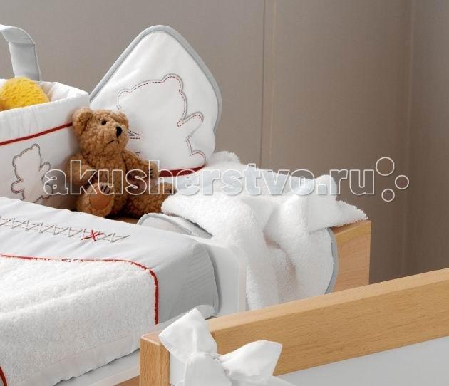 Micuna Банное полотенце с уголком NeusБанное полотенце с уголком NeusБанное полотенце с уголком Micuna Neus TX-836  Натуральный хлопок самой тонкой выделки, мягкий и гипоаллергенный, не раздражающий самую чувствительную детскую кожу – текстильная коллекция Micuna создана специально для малышей. Нежные и приятные на ощупь ткани окутают ребёнка заботой и будут охранять его покой в минуты чуткого сна. Текстильные комплекты и аксессуары выполнены из 100% хлопка, в качестве наполнителя для мягких бортов и подушечек используется холлофайбер. Это полиэстеровое волокно, скрученное в пружинки, более практично и обладает большей теплоизоляцией, нежели полиэстер. Весь текстиль Micuna хорошо стирается и быстро сохнет, что особенно важно в первые месяцы жизни малыша.  Тёплое полотенце 100% хлопок В уголок-капюшон можно завернуть ребёнка после водных процедур<br>