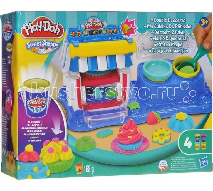 Play-Doh Hasbro Набор Двойные десертыHasbro Набор Двойные десертыHASBRO A6030H, А5013Н PLAY-DOH Набор Двойные десерты.  Бренд Play-Doh от Hasbro вот уже более полувека радует детвору по всему Миру своим замечательным пластилином. Уникальный рецепт пластилина Play-Doh хранится компанией-производителем «Hasbro» в секрете, но факт остается фактом: он сделан на основе натуральных съедобных продуктов, поэтому даже если ребенок проглотит его, ничего страшного не случится. Детский пластилин Play-Doh легко меняет форму, не прилипает к рукам и быстро высыхает. Из него можно вылепить, что угодно или использовать его как краску для украшения фигурок-трафаретов, которые входят в некоторые наборы пластилина от Hasbro. Эта игра – удивительный инструмент познания мира и замечательная возможность развить воображение малыша.  Оригинальный игровой набор Play-Doh Двойные десерты придется по душе маленьким кондитерам! С набором Двойные десерты можно создать различные пирожные с присыпкой, печенья, всевозможные торты, кексы с кремом и многое другое. Из небольших формочек можно слепить фигурки для украшения. Осталось положить десерт в духовку для полного приготовления и как только десерт будет готов, звуковой сигнал оповестит об этом.  В наборе имеются две банки обычного пластилина Play-Doh и две банки пластилина Play-Doh Plus, который мягче обычного, из него легче делать мелкие элементы. Пластилин Play-Doh настолько мягкий, что с легкостью принимает любую форму. Зато на воздухе он застывает, становясь твердым, как гипс. Но если ребенок захочет приготовить что-то новенькое, достаточно будет просто снять все элементы одного цвета, положить их в воду, а затем скатать в один шарик – пластилин снова станет мягким.  Игра с данным набором отлично развивает у ребенка мелкую моторику рук, тактильные ощущения и творческое мышление. Набор прекрасно подходит для сюжетно-ролевых игр. С его помощью девочки могут воплотить самые удивительные кондитерские замыслы. Кроме того, набор приучает к ведению д