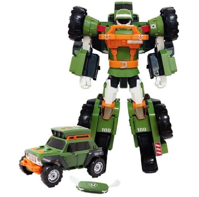 Tobot Робот-трансформер Тобот КРобот-трансформер Тобот КTobot Робот-трансформер Тобот К выполненный по мотивам популярного мультсериала Тоботы, привлечет внимание каждого ребенка благодаря точной схожести с персонажем и трансформационным возможностям.  Зеленый пластиковый робот может перевоплощаться в небольшую военную машину. Пилот устойчиво стоит на ровной поверхности, двигает всеми частями тела. Его можно переделать в зеленый, хорошо управляемый автомобиль, колеса которого без труда крутятся. Игрушка дополнительно оснащена специальным блоком фар на крыше автомобиля и раскладным ножом.  В набор входят: Тобот-трансформер размерами 27 х 11.5 х 17 см брелок с раскладным ножом и вилкой съемный блок на крышу Требуются батарейки 2 х ААА, в набор не входят Тобот достаточно просто трансформируется в джип. Ребенок легко самостоятельно соберет и разберет игрушку. Фигурка отлично развивает логику и пространственное мышление – разборка и сборка проста и интуитивно понятна.  В темно-зеленом брелоке помещаются белые нож и вилка. Приборы легко складываются и достаются. Специальный съемный блок работает от батареек. Его можно поставить на крышу автомобиля. Блок хорошо ложится в специальные пазы на крыше джипа и ярко светит желтым светом трех фар. Для Сухо в образе робота блок устанавливается в крепление на спине. При нажатии на кнопку можно услышать 25 разных фраз на русском языке.<br>