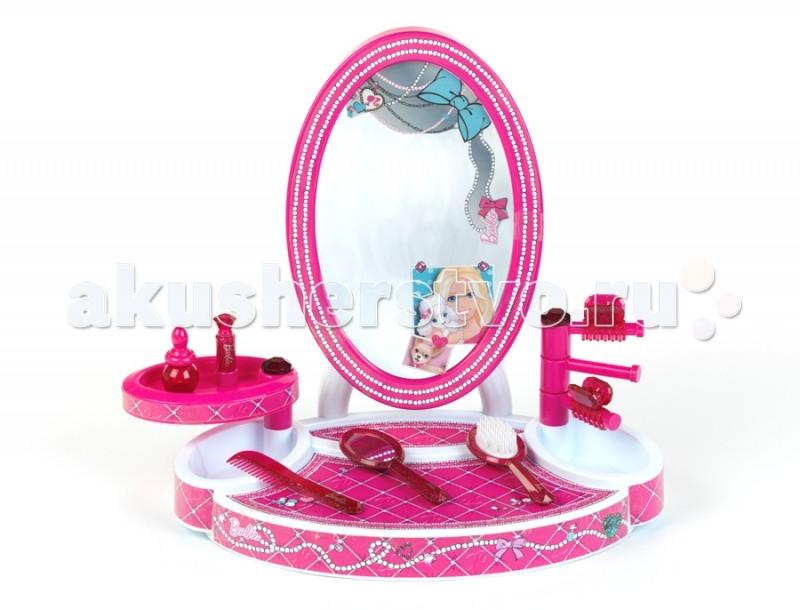 Klein Студия красоты настольная с аксессуарами BarbieСтудия красоты настольная с аксессуарами BarbieBarbie Студия красоты настольная с аксессуарами.  История немецкой компании Theo Klein, известной во всем мире благодаря высокому качеству игрушек и их образовательной ценности, не похожа на историю других игрушечных компаний. Ведь Тео Кляйн и его жена Мария основали компанию в 1949 году как семейную фабрику по производству щеток и метел.  Началом истории успеха компании Klein стал выпуск в 1956 году метлы с яркими пластиковими щетинками, предназначенной для детей. А в 1959 году компания Klein уже впервые принимала участие в Нюрнбергской ярмарке игрушек, выставляя лишь три продукта: детскую метлу, щетку и металлическую лопатку. Они имели невероятный успех и позиционировались как игрушки, способствующие освоению детьми социальных правил и ролей (в данном случае – помощников своих родителей. Вскоре компания окончательно изменила свой курс и начала заниматься производством игрушек.  Быстрая экспансия компании Theo Klein GmbH сопровождалась разработкой большого количества новых продуктов и непрерывным расширением существующего ассортимента. На сегодняшний день компания Klein, которую возглавляют сыновья Тео и Марии – Клаус-Дитер и Мартин, является крупнейшим в Европе производителем игрушек, имеющих обучающую ценность, и лидером во многих сегментах отрасли. Среди партнеров компании Theo Klein множество брендов с мировым именем: BOSCH, MIELE, BRAUN, VILEDA, WMF. Производственные мощности Theo Klein расположены в Германии, Чехии и Китае. Во всем мире бренд Klein известен высоким качеством игрушек и их образовательной ценностью.  Barbie Студия красоты настольная с аксессуарами Klein 5378С - это отличная студия для маленьких модниц с аксессуарами, выполненная в стиле Барби. Она способствует поддержанию у него хорошего настроения, обогащению чувственного опыта ребенка, развитию наглядно-образного мышления. Яркий стиль и необходимые аксессуары сделают игру более увлекательной. Т
