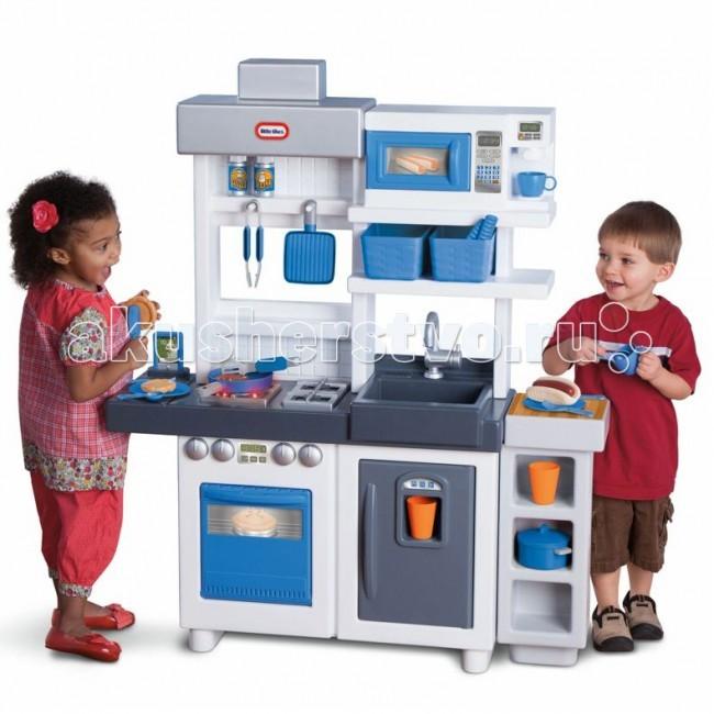 Little Tikes Кухня 484247Кухня 484247Что делать, если ребенок хочет участвовать в приготовлении еды, но плита горячая, ножи острые, и это слишком опасно? Представляем игровой центр Кухня от Little Tikes!  Тут есть все, что можно найти на настоящей кухне – плита, микроволновка, раковина, полочки и ящики для посуды, холодильник и даже кофе-машина! В комплект входит набор посуды, игрушечная еда – всего 38 аксессуаров.  Игрушечная кухня оснащена работающей конфоркой – при включении, она издает звуки, в духовке зажигается свет. Ручки плиты щелкают, если их поворачивать. Такая игрушка обязательно понравится юной хозяйке!  В комплекте – большая игрушечная кухня Входит все необходимое – кофе-машина, холодильник, микроволновка, плита, раковина, шкафчики, держатели для полотенец и кухонных принадлежностей Дверцы микроволновки, холодильника и шкафчиков открываются При включении плиты, раздаются звуки работающей конфорки В духовке зажигается свет Ручки на плите щелкают при прокручивании.  В набор входит 38 аксессуаров – игрушечная посуда, еда, коробочки и др.  Размер игрушки: 116 x 96 x 34 см  Для работы эффектов необходимо 2 АА батарейки<br>
