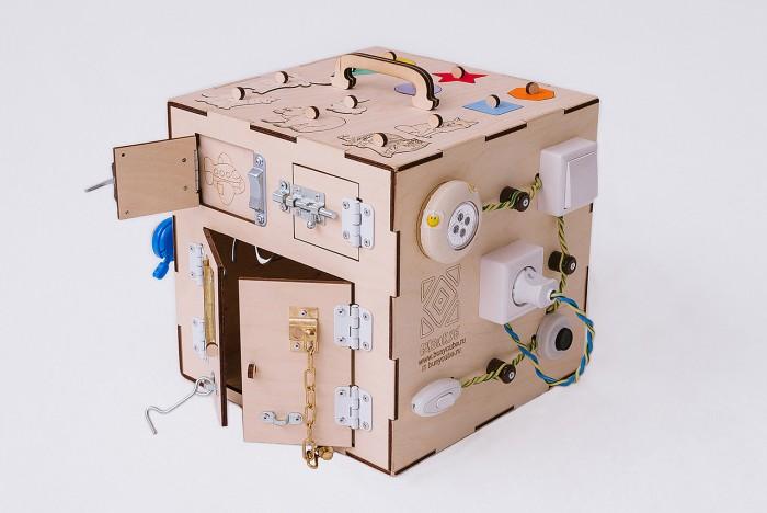 Деревянная игрушка Бизикуб Дикие животные и геометрические фигуры с розеткой