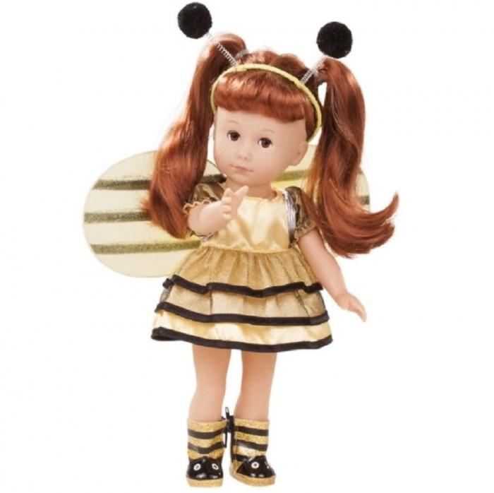 Gotz Люсиа рыжая 35 смЛюсиа рыжая 35 смGotz Люсиа рыжая 35 см в костюме пчелы - красивая, реалистично выглядящая кукла, которая не останется без внимания девочки.   Куклу можно переодевать и делать различные прически. Твердое тело изготовлено из высококачественного винила. Голова поворачивается влево и вправо. Глаза закрываются.   Уход за куклой вырабатывает чувство ответственности, девочка научится проявлять заботу.  Кукла, одежда и аксессуары выполнены из качественных материалов с учетом необходимых стандартов, соответствующих европейским нормативам. Куклу можно мыть, для поддержания одежды в опрятном виде рекомендуется щадящая машинная стирка при температуре 30 градусов.   Кукла приятна на ощупь, стимулирует сенсорное развитие ребенка, знакомит с новыми материалами и формами.   В наборе:  Кукла Люсиа  платье трусы крылышки сапожки ободок<br>
