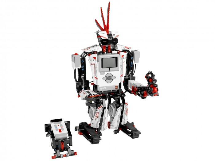 Конструктор Lego Mindstorms 31313 Лего Майндстормс EV3Mindstorms 31313 Лего Майндстормс EV3Конструктор Lego Mindstorms 31313 Лего Майндстормс EV3  Робот Lego Mindstorms – не просто игрушка. Это самый настоящий робот, реагирующий на мир вокруг.  Им можно управлять с помощью специальной программы на смартфоне, и совершенствовать, докупая новые наборы деталей. Робот взаимодействует с окружающим миром с помощью специальных датчиков и сенсоров.  Из этого набора можно создать 5 разных моделей роботов. Можно построить робота-скорпиона, робота-помощника на гусеничном ходу с захватом спереди, робота-кобру, который распознает движущиеся объекты и атакует их, робота-трактор, человекообразного робота.  Модель робот-трактор может выполнять роль военной машины, подъемного крана, дробилки, осуществлять захват - в зависимости от задач, можно легко сменить инструмент.  Mindstorms EV3 – новое поколение роботов. Здесь добавлен чип для управления с помощью мобильных устройств, более мощный процессор, операционная система Линукс, возможность использовать инфракрасные серверы. Нового робота можно программировать без подсоединения к компьютеру, с помощью кнопок на корпусе.  Технические характеристики робота: Встроенные 16 МБ флэш-памяти 64 Мб оперативной памяти плюс слот расширения SD Операционная система Linux, выпущенная под открытым исходным кодом USB 2.0 Wi-Fi 4 входных порта: подключение до 4 датчиков одновременно, в том числе вашего NXT датчики 4 выходных портов: теперь Вы можете пользоваться мощностью до 4 двигателей (либо крупных, средних или NXT) До четырех интеллектуальных блоков должны быть соединены вместе (да, это 16 датчиков и 16 портов двигателя!) Матричный дисплей с громкоговорителем Кнопка интерфейса с индикацией состояния Улучшение блока программирования Bluetooth (r) v2.1 IOS и Android совместимость.  Аппаратные средства: 3 интерактивных серводвигатели: 2 больших и 1 средний 1 датчик касания Новые ИК-датчики измеряют расстояние, движение и обнаружение объектов, и действ