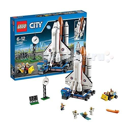 Конструктор Lego City 60080 Лего Город КосмодромCity 60080 Лего Город КосмодромКонструктор Lego City 60080 Лего Город Космодром  Конструктор LEGO City собирается из 586 деталей и включает 5 минифигурок.  Огромный космический шаттл стартует с передвижной площадки. Он прикреплен к ракетоносителю, который доставит его на орбиту. Корпус шаттла открывается - внутри есть специальное место для космонавта.  Обеспечивают безопасность старта наземные службы. Помимо транспортировщика, здесь есть машина техобслуживания, большая спутниковая вышка для связи с экипажем, электронное табло для отсчета времени старта.  В комплекте 5 минифигурок: 2 космонавта в защитных скафандрах, женщина-ученый, 2 работника наземной службы космодрома.  Количество деталей: 586 шт.<br>