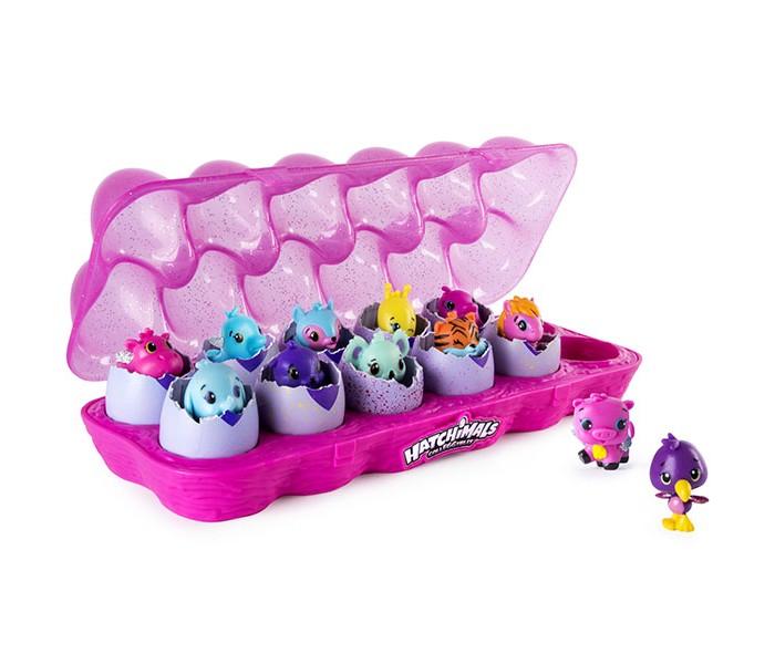 Hatchimals Набор коллекционных фигурок 12 шт.Игровые фигурки<br>Hatchimals Набор коллекционных фигурок 12 шт. - это небольшие фигурки питомцев, которые прячутся в непрозрачном яйце. Никогда заранее не знаешь, какой именно питомец попадется в этот раз. Это так волнительно!  Особенности:   В наборе представлено сразу 12 яиц, упакованных в специальном контейнере, словно настоящие куриные яйца. Скорлупка у яиц необычная: фиолетовая, в цветную крапинку с нарисованным сердечком. Это сердечко меняет цвет, если потереть его: с фиолетового на розовый. Теперь питомец готов к вылуплению! Нужно только аккуратно надавить на верхнюю часть скорлупки, чтобы помочь ему. Внутри вы найдете просто очаровательную фигурку Всего коллекция насчитывает более 70 разнообразных питомцев со сверкающими крылышками за спиной: это улитки, бегемотики, жирафики, львята, слонята, панды, коалы, зайчики и многие-многие другие. Они невероятно милые Каждый персонаж относится к одной из 13 категорий в зависимости от места обитания и к одной из 4 категорий по степени редкости. Узнать, к каким категориям относится ваш питомец, можно, посмотрев на памятку коллекционера (входит в комплект). Также в этой памятке есть специальное поле для отметки, чтобы можно было помечать уже имеющихся в вашей коллекции питомцев Фигурки небольшого размера, яркие, детализированные и очень качественные С ними будет весело играть, коллекционировать, обмениваться ими с друзьями. В комплекте: 12 яиц-сюрпризов с фигуркой питомца внутр двухместный контейнер памятка коллекционера.