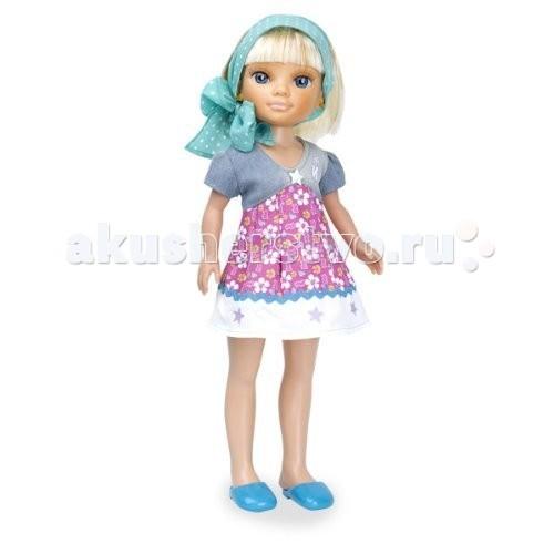 Famosa Кукла Нэнси на отдыхе Блондинка в голубом платочкеКукла Нэнси на отдыхе Блондинка в голубом платочкеКукла Famosa Нэнси на отдыхе Блондинка в голубом платочке - любимица девочек, модница Нэнси, отправилась на отдых, а ты можешь путешествовать вместе с ней!   Густые волосы куклы можно расчесывать и заплетать в прически, а если придумать какую-то историю, которая могла произойти с Нэнси на отдыхе, то это поспособствует развитию фантазии и воображения.   Куклы Нэнси сделаны из высококачественных материалов, прошедших строгий контроль качества, они приятны на ощупь, у них живые аккуратно нарисованные лица и приятные черты.   Игра с куклами развивает чувство стиля и мелкую моторику.   Приобретайте дополнительные игровые наборы, одежду и аксессуары, чтобы игра стала еще интереснее!   Высота куклы: 43 см<br>