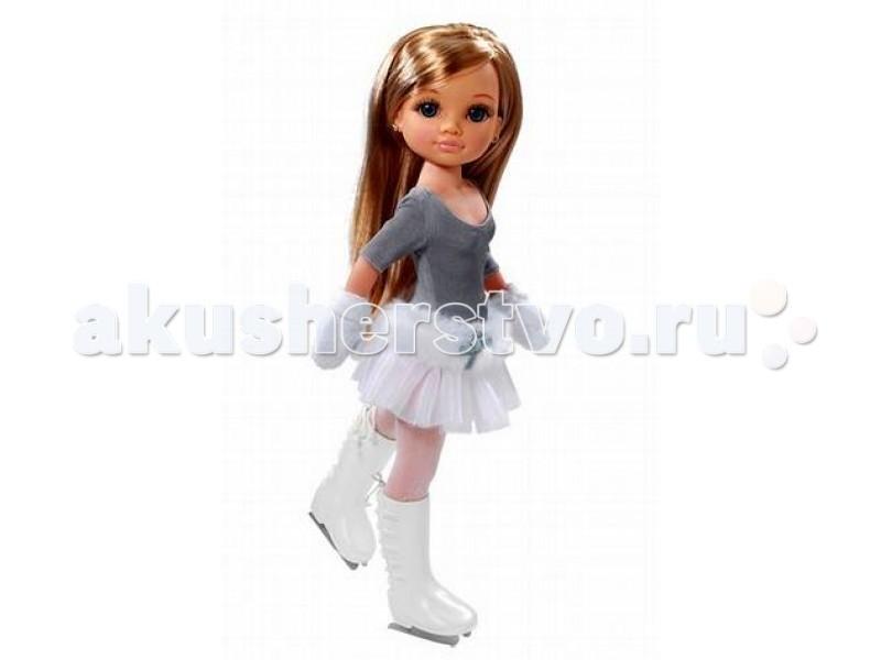 Famosa Нэнси Зимняя красавица 48 смНэнси Зимняя красавица 48 смКукла Famosa Нэнси Зимняя красавица 48 см - замечательная кукла, имеющая шикарные длинные волосы и выразительные глаза. Кукла одета в меховую жилетку и шапку, спасающую от зимних холодов, поэтому ее можно брать с собой на прогулку даже в лютый мороз.   Девочки с удовольствием играют такими куклами, так как они яркие, красивые и абсолютно безопасны.   Зимняя красавица предназначена для детей, которым уже исполнилось три года.<br>