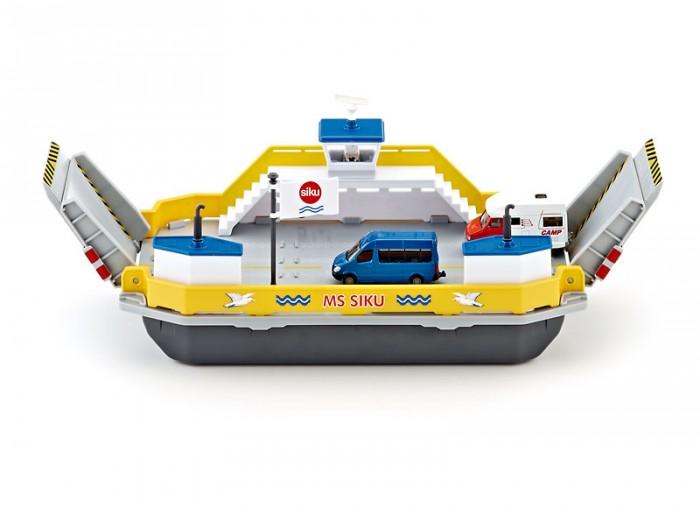 Siku Паром для машин 1750Машины<br>Siku Паром для машин 1750 игрушечный паром для машин от немецкого производителя Siku – великолепная новинка для игр ребенка и коллекции взрослого.  Модель парома для автомобилей выполнена очень реалистично. Основной цвет парома - серый, отдельные декоративные детали выполнены в синем и желтом цветах. На паром можно поставить 6 легковых автомобилей или 2 грузовика. Два специальных пандуса для разгрузки выдвигаются. Дверь синего цвета грузового отсека может открываться. В комплект входят 2 автомобиля.  Масштаб: 1:50