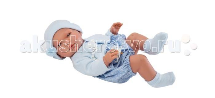 ASI Кукла Пабло 43 см 364291Куклы и одежда для кукол<br>ASI Кукла Пабло 43 см - рост Пабло составляет 43 см. Выполнен полностью из высококачественного винила с покрытием soft touchРеборна можно купать, имеет половые различия.  У Пабло миловидное детское личико: блестящие голубые глазки с пушистыми ресничками, кругленькие щечки  с румянцем, курносый носик, нежно-розовый приоткрытый ротик.   Младенец выполнен с детальной точностью всех физиологических особенностей новорожденных малышей. Ручки, ножки, пухленькие пальчики, крошечные ноготочки, прелестные детские складочки, ямочки на коленках - точная копия грудничка.  Пабло одет в голубой комбинезон, теплое болеро и носочки, на голове шапочка с помпонами.  В комплекте: пустышка с держателем в виде мишки.  К реборну прилагается настоящий Сертификат о Рождении. Упакован в фирменную коробочку ASI.