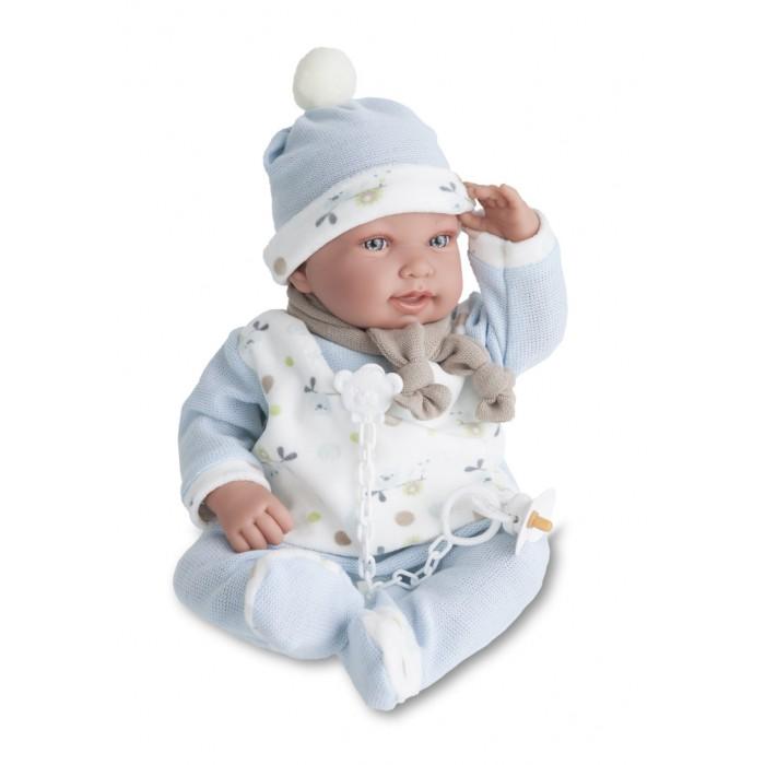 Munecas Antonio Juan  Кукла Камилло озвученна 40 смКукла Камилло озвученна 40 смКукла-младенец Камилло выглдит совсем как ребенок. Она одета в костмчик с шапочкой.  Личико сделано с детальными прорисовками. Образы малышей Мунекас разработаны известными европейскими дизайнерами. Они натуралистичны, анатомически точны, с подвижными ручками и ножками, копирут настощих младенцев.  Малыш умеет разговаривать: нажмите на животик 1 раз - кукла засмеетс, 2-ой раз - кукла скажет мама, 3-ий раз - скажет папа.   Кукла с виниловыми подвижными ручками, ножками и головой, и мгконабивным туловищем.   Кукла упакована в красиву подарочну коробку.  Куклы Antonio Juan Munecas существут уже более 40 лет и пользуетс заслуженной популрность в Европе. Куклы производтс исклчительно в Испании, из высококачественных материалов, безвредных дл ребенка. Образы кукол разрабатыватс ведущими Европейскими дизайнерами, они высокохудожественны, натуралистичны (девочки/мальчики), одеты в красиву современну одежду, сшиту из натуральных тканей. Упакованы в стильные фирменные коробки.  В наш век технического прогресса классические куклы Антонио Хуан, с милыми добрыми детскими чертами не перестат пользоватьс популрность, а способность разговаривать, сметьс и плакать делает их вполне современными и интересными даже дл самых «продвинутых» деток.<br>