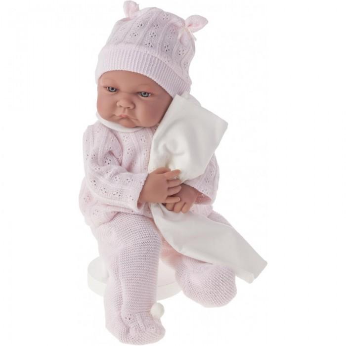 Munecas Antonio Juan  Кукла Ника в розовом озвученная 40 смКукла Ника в розовом озвученная 40 смКукла-младенец Ника выглядит совсем как ребенок. Она одета в костюмчик с шапочкой.  Личико сделано с детальными прорисовками. Образы малышей Мунекас разработаны известными европейскими дизайнерами. Они натуралистичны, анатомически точны, с подвижными ручками и ножками, копируют настоящих младенцев.  Малыш умеет разговаривать: нажмите на животик 1 раз - кукла засмеется, 2-ой раз - кукла скажет мама, 3-ий раз - скажет папа.   Кукла с виниловыми подвижными ручками, ножками и головой, и мягконабивным туловищем.   Кукла упакована в красивую подарочную коробку.  Куклы Antonio Juan Munecas существуют уже более 40 лет и пользуется заслуженной популярностью в Европе. Куклы производятся исключительно в Испании, из высококачественных материалов, безвредных для ребенка. Образы кукол разрабатываются ведущими Европейскими дизайнерами, они высокохудожественны, натуралистичны (девочки/мальчики), одеты в красивую современную одежду, сшитую из натуральных тканей. Упакованы в стильные фирменные коробки.  В наш век технического прогресса классические куклы Антонио Хуан, с милыми добрыми детскими чертами не перестают пользоваться популярностью, а способность разговаривать, смеяться и плакать делает их вполне современными и интересными даже для самых «продвинутых» деток.<br>