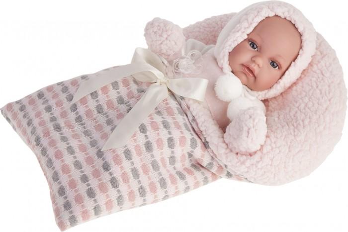 Munecas Antonio Juan  Кукла Луиза озвученная 34 смКукла Луиза озвученная 34 смКукла-младенец Луиза выглядит совсем как ребенок. Она одета в костюмчик с шапочкой, дополнена конвертом.  Личико сделано с детальными прорисовками. Образы малышей Мунекас разработаны известными европейскими дизайнерами. Они натуралистичны, анатомически точны, с подвижными ручками и ножками, копируют настоящих младенцев.  Малыш умеет разговаривать: нажмите на животик 1 раз - кукла засмеется, 2-ой раз - кукла скажет мама, 3-ий раз - скажет папа.   Кукла с виниловыми подвижными ручками, ножками и головой, и мягконабивным туловищем.   Кукла упакована в красивую подарочную коробку.  Куклы Antonio Juan Munecas существуют уже более 40 лет и пользуется заслуженной популярностью в Европе. Куклы производятся исключительно в Испании, из высококачественных материалов, безвредных для ребенка. Образы кукол разрабатываются ведущими Европейскими дизайнерами, они высокохудожественны, натуралистичны (девочки/мальчики), одеты в красивую современную одежду, сшитую из натуральных тканей. Упакованы в стильные фирменные коробки.  В наш век технического прогресса классические куклы Антонио Хуан, с милыми добрыми детскими чертами не перестают пользоваться популярностью, а способность разговаривать, смеяться и плакать делает их вполне современными и интересными даже для самых «продвинутых» деток.<br>