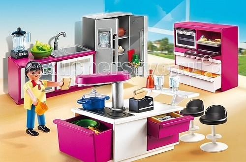 Конструктор Playmobil Особняки: Современная дизайнерская кухняОсобняки: Современная дизайнерская кухняОсобняки: Современная дизайнерская кухня – интересный набор для увлекательных игр.  Взяв игровые наборы Playmobil, можно создать настоящий дом со всей мебелью и комнатами.  Кухня - самое главное в доме, здесь готовится еда, и многие проводят основное свободное время.  В большом холодильнике много свежих продуктов, из которых можно приготовить вкусную еду.   На кухонном столе есть весь инструмент для работы.  На плите стоит кастрюля, а на барной стойке фужеры.  Вымыть грязную посуду можно в посудомоечной машине.  Хранить сухие продукты удобно в шкафу с полочками.   В раковине можно помыть зелень и мясо, после чего начать приготовление ужина, при необходимости следует воспользоваться блендером и духовкой, ведь в современной кухне есть все, чтобы готовить с наслаждением. В конструкторы входит фигурка повара, печь, бар стойка, умывальник, духовка, блендер, холодильник, шкаф и 2 стула. Ребенок может расставить все детали и начать приготовление пищи при помощи инструментов и оборудования.   Вся посуда сложена, и можно выбрать необходимую.  Приготовив вкусную еду, следует сесть за стол на удобный стульчик и наслаждаться ужином.  Игра познакомит ребенка с новыми названиями и предметами, дает понятие того, что приготовление пищи - сложная процедура.  Продукция сертифицирована, экологически безопасна для ребенка, использованные красители не токсичны и гипоаллергенны.<br>