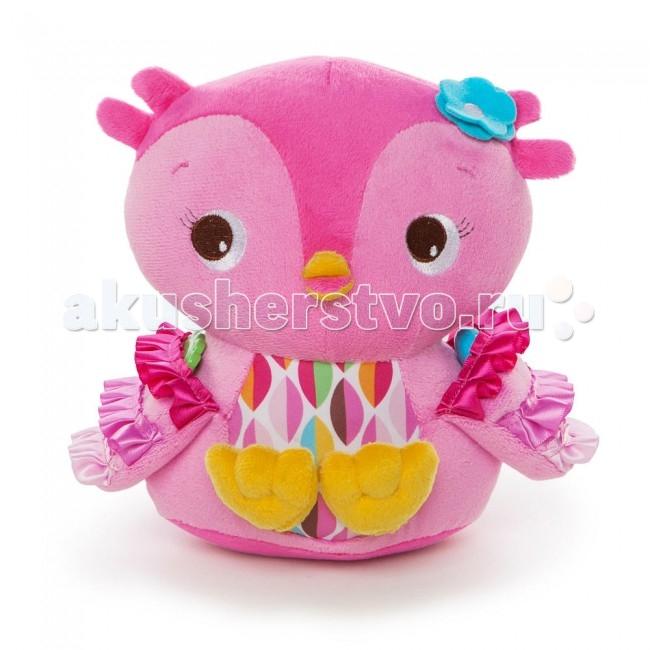 Развивающая игрушка Bright Starts СовушкаСовушкаРазвивающая игрушка Bright Starts Совушка выглядит невероятно привлекательно для малышей, ведь сшита она из пестрой, разноцветной ткани, которую так интересно разглядывать.   Особенности: Крылышки у игрушечной птички шелестят, если их потеребить.  Внутри совушки спрятаны пластиковые шарики, поэтому игрушку можно использовать и как погремушку, чтобы успокоить ребенка или отвлечь его внимание от шалостей.  Забавная птичка очень запаслива, поэтому у нее есть кармашки, куда можно складывать небольшие предметы из игрушечной коллекции малыша.  Совушка очень красива и любит порой собой полюбоваться в зеркальце, которое прикреплено к одному из ее крылышек.  Вместе с птичкой смотреть в безопасное зеркало сможет и малыш.  Малыш будет изучать эмоции, строить рожицы своему отражению и, конечно же, звонко смеяться!<br>
