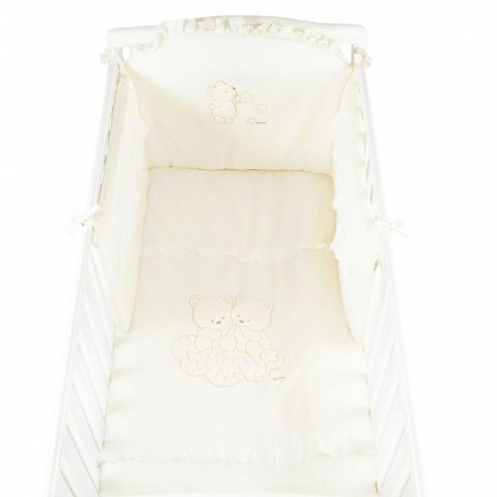 Комплект в кроватку Italbaby Angioletti (5 предметов)Angioletti (5 предметов)Комплекты разработаны с большой любовью и заботой.Изготавливаются только из натуральных, гипоаллергенных тканей.Отличаются изысканным дизайном и качеством.Легко стираются в стиральной машине с программой мягкой стирки.В комплект входит: бампер, предохраняющий от ушибов о стенку кроватки, а также для защиты от сквозняков (трехсторонний) одеяло стеганое (100x130 см) простынь наволочка пододеяльник100% хлопковая ткань<br>