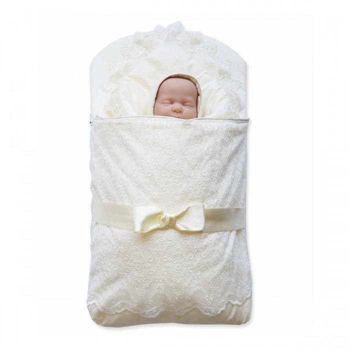 Комплект на выписку Baby Nice (ОТК) 3 предмета3 предметаКомплект на выписку: одеяло-конверт — ткань верха и подкладки: сатин, 100% хлопок, наполнитель: инновационный материал файберпласт — качественный, легкий и неприхотливый в эксплуатации нетканый материал, который великолепно удерживает тепло, дышит, является гипоаллергенным, прекрасно стирается, практически не слеживается, быстро сохнет и не впитывает неприятные запахи.   Экологичность, высокий уровень комфорта, красота и праздничное настроение — отличительные черты этого комплекта.   Конверт украшен классическими атрибутами одежды для младенцев на выписку: сверху — легким изысканным кружевом, посередине — атласными лентами.   Одеяло-конверт на выписку представлен в нескольких цветовых решениях, подходящих как для девочек, так и для мальчиков.  В наборе Конверт Одеяло Чепчик  Размер одеяла: 95 х 95 см  Размер конверта в сложенном виде: 75 х 45 см Минимальный обхват головы: 32 см<br>