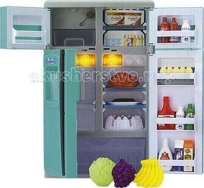 Keenway Игрушечный Холодильник 21657Игрушечный Холодильник 21657Keenway Холодильник 21657 снабжен морозильной камерой, в которой находится контейнер с кубиками льда. Если лед положить в специальный отсек на верху холодильника, то он будет высыпаться в контейнер при нажатии на рычаг.  Особенности: Холодильник снабжен специальным устройством для холодной воды. Поднесите стакан, нажмите на рычаг, и вы услышите звук воды.  В холодильнике несколько камер и все они заполнены самыми необходимыми продуктами.  При открытии дверок в холодильнике загорается свет.. Игрушка максимально устойчива, не требует дополнительных крепежей и выполнена из прочных экологически чистых материалов. Батарейки: АА х 2 шт. (в комплект не входят)  В комплекте: 2-дверный холодильник с 2-дверной морозилкой 4 съемные полочки (3 в холодильнике и 1 в морозилке) выдвижной контейнер для льда кубики льда - 6 шт. стакан для ледяной воды большой выдвижной лоток для овощей и фруктов (капуста, помидор, виноград и бананы), курица, яйца, фарш на противне, торт, разделенный на 6 кусочков, кетчуп, майонез, апельсиновый сок, молоко: 2 бутылочки и 1 картонный пакет газированные напитки: Coca-Cola, Pepsi-Cola, 8-Up коробки с мороженым и холодными десертами.  Внимание!Цвета в ассортименте!<br>