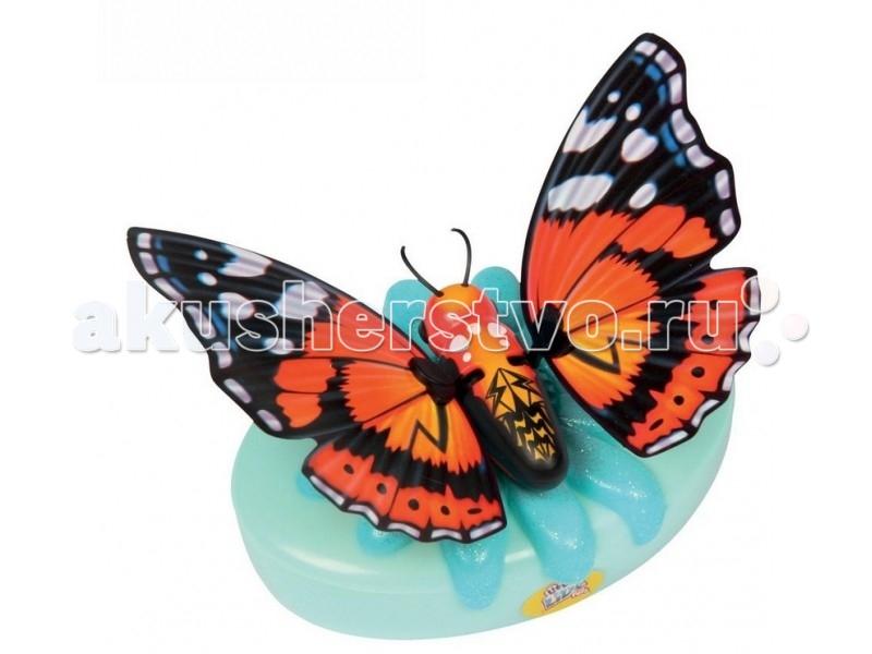 Little live Pets Игрушка Бабочка КраеглазкаИгрушка Бабочка КраеглазкаБабочка Little live Pets Краеглазка выглядят совсем как настоящие: они умеют трепетать и махать крылышками. Играя с бабочкой, вы услышите звуки хлопающих крыльев.  Особенности: Бабочка может сидеть не только на руке, но и на окне или любой гладкой поверхности с помощью специальной присоски, которую вы найдете в комплекте.  Необычная питомица работает от 2 батареек АА (нет в комплекте).  Бабочка может подзаряжаться с помощью специального аккумулятора в виде цветка.  Рекомендуется использовать обычные батарейки, а не аккумуляторы В серии бабочек Little live Pets вы найдете разных питомиц, у каждой из которых есть свои индивидуальные особенности: дикая, стильная, необычная, дерзкая, нежная, королевская, космическая и драгоценная бабочки.   В комплекте: 1 бабочка 1 зарядное устройство присоска<br>