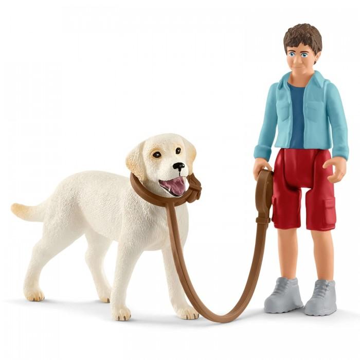 Купить Schleich Игровые фигурки На прогулке с лабрадором