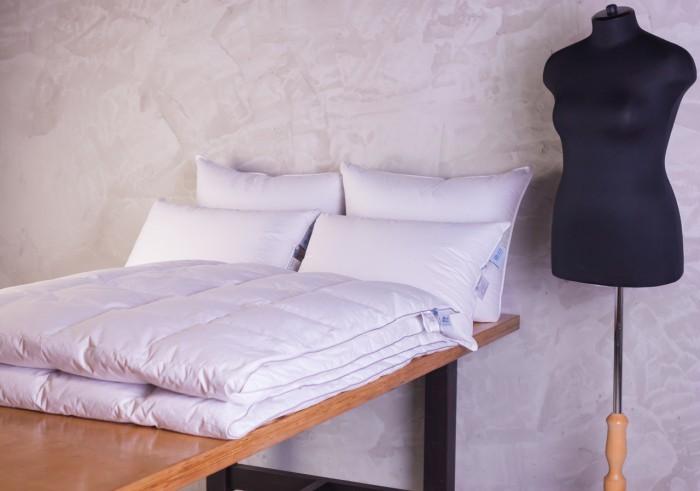 Подушки для малыша German Grass Подушка средняя Gray Familie Down 50х68 см подушки легкие сны подушка лель средняя 70х70
