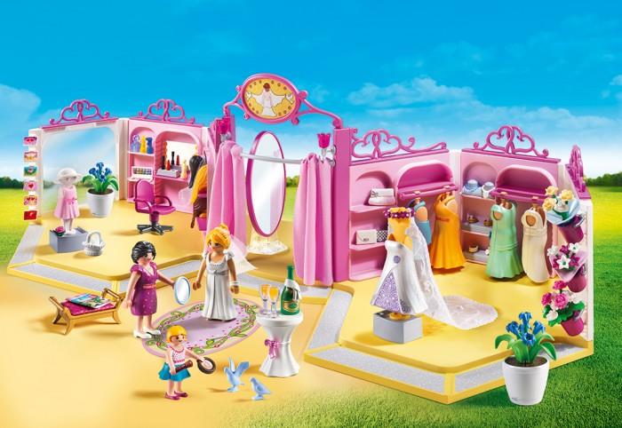 Конструктор Playmobil Свадебный магазинКонструкторы<br>Playmobil Свадебный магазин  Интересный набор из серии Свадьба создаст невероятную возможность придумывать разные игровые сюжеты, что развивает воображение ребенка.  Стильная одежда, аксессуары и прически обеспечивают бесконечное удовольствие от одевания жениха и невесты.  Примерочная с тканевой шторой и зеркалом в полный рост. с большим количеством аксессуаров.  Для приветствия клиентов на высоком столе есть бутылка шампанского и два бокала. Разнообразие сумочек и ювелирных изделий представлено в правой части магазина на полках.  Особенности: На четырех манекенах находятся двухкомпонентные платья, а свадебное платье невесты установлено на отдельном подиуме с длинной фатой. Свадебные букеты прикрепляются в правой части магазина на клипсы. Аксессуары для макияжа находятся в стойках в левой части магазина. Также обозначено место для множества париков. Фигуры могут сидеть на стульях в нижнем белье для нанесения макияжа. Широкий выбор свадебных открыток представлен с левой стороны стойки магазина. Платье подружки невесты находится на детском манекене, которое легко снимается и также надевается.  Посередине свадебного магазина есть просторная раздевалка.