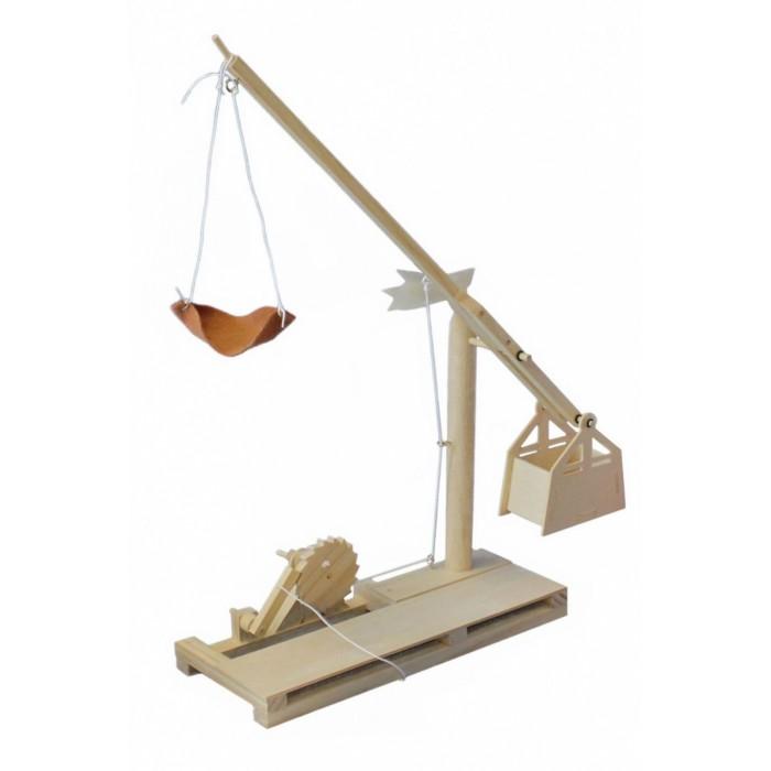 Деревянная игрушка Bradex Конструктор из дерева Катапульта Леонардо Да ВинчиДеревянные игрушки<br>Деревянная игрушка Bradex Конструктор из дерева Катапульта Леонардо Да Винчи представляет собой точную уменьшенную копию изобретений итальянского гения.  Ваш подрастающий изобретатель строит шедевры из подручных средств? Его полеты фантазии в плане техники поражают взрослых? Тогда он будет без ума от счастья, когда Вы подарите ему конструктор из серии Леонардо Да Винчи!  Особенности:  Набор выполнен из натурального дерева Выбирайте из 3 вариантов конструкций: катапульта, орнитоптер или воздушный винт В комплект входят детали конструктора и подробная иллюстрированная инструкция.