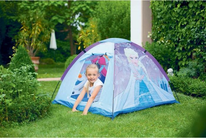 John Игровая палатка Холодное сердце 120х120х87 смПалатки-домики<br>John Игровая палатка Холодное сердце 120х120х87 см выполнена в сине-фиолетовой расцветке и по всей поверхности внутри и снаружи украшена яркими реалистичными изображениями главных героев фильма Disney Frozen.  Конструкция палатки состоит из гибкого стержневого каркаса, плотного полиэтиленового пола и практичного водоотталкивающего тента из качественного полиэстера. Изделие очень быстро и легко раскладывается, а потом также просто собирается в компактный чехол с ручками для хранения и транспортировки, который имеет габариты всего 35х27х6 см.  Палатка идеально подходит для активных развлечений малышей от 3 лет дома и на улице. Благодаря просторному пространству внутри в этот замечательный игровой домик можно пригласить друзей.  Размер палатки: 120х120х87 см.