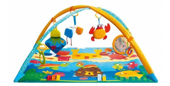 Развивающий коврик Tiny Love Морские приключения (Подводный мир)Морские приключения (Подводный мир)Развивающий коврик Tiny Love Морские приключения от 0 месяцев до 1 года.  Веселый коврик помогает продлить время лежания на животике и развивает крупную моторику. Скользящие кольца позволяют менять расположение игрушек и разнообразить игру. Электронный краб для самостоятельного включения непременно заинтересует вашего малыша! Со временем малыш сможет ползать по коврику, чтобы рассмотреть заинтересовавшую его деталь. Яркие рисунки стимулируют зрение, а наличие объемных разнофактурных фигурок поможет в развитии мелкой моторики рук и сенсорного восприятия. Играя на коврике, ребенок развивает координацию движений и укрепляет мышцы. Можно играть лежа на спине, животе и сидя.<br>