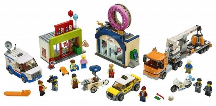 Конструктор Lego City Town Открытие магазина по продаже пончиков