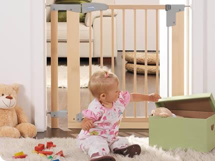 Безопасность ребенка , Барьеры и ворота Geuther Ворота безопасности Easylock Natural 75,5 83,5 см арт: 7314 -  Барьеры и ворота