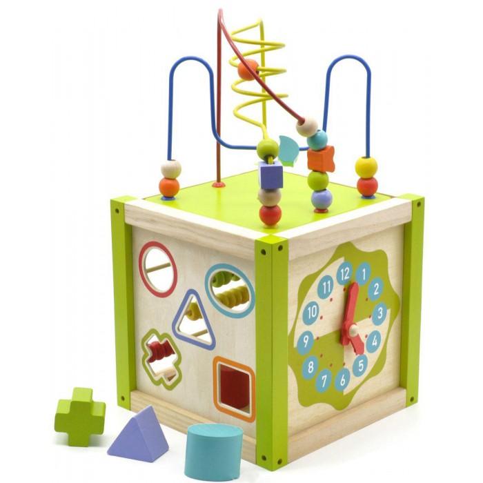 Деревянная игрушка Мир деревянных игрушек (МДИ) Универсальный кубУниверсальный кубДеревянная игрушка МДИ Универсальный куб.  Универсальный куб – качественная игрушка с большим разнообразием возможностей для игр и развития. На пяти гранях куба – пять развивающих игр. Часы с вращающимися стрелками, на которых показано время с 0 до 24 часов. Счеты – пять уровней с 10 костяшками, позволяющие учить счету до 50. Сортеры с десятью вкладышами разных форм и цветов.  Большой пальчиковый лабиринт на три проволоки. Проволоки статичны, их нельзя согнуть. По дорожкам ребенок проводит фигурки, не отрывая руки, проворачивая детальки по ходу движения. Лабиринт не прикреплен к кубу, он устанавливается сверху, как крыша, при необходимости его можно снять и вложить внутрь куба, таким образом игрушка будет занимать в два раза меньше места при хранении. Качество хорошее, большая красивая коробка, отлично на подарок!<br>