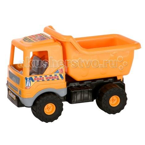 G.B.Fabricantes Грузовик 52 смГрузовик 52 смG.B.Fabricantes Грузовик 52 см - простая игрушка, которая хорошо подойдет для детей самого маленького возраста, так как в ней напрочь отсутствуют острые элементы, способные травмировать малыша.   Грузовичок длиной в 52 сантиметра является оптимальным вариантом для перевозки различных грузов (камушки, палочки и т.д.). Кроме того модель оснащена большими колесами, что обеспечит комфортную поездку по просторной песочнице, если вашему ребенку захочется там поиграть. Грузовичок не станет буксовать и не застрянет в какой-нибудь ямке.   Игрушка обладает особой прочностью. Материал, использованный при изготовлении столь чудной машинки, не имеет токсичных веществ. Каждая модель проходит тщательную проверку перед тем, как выйти в продажу.   Такой подарок доставит малышу множество увлекательных часов.<br>
