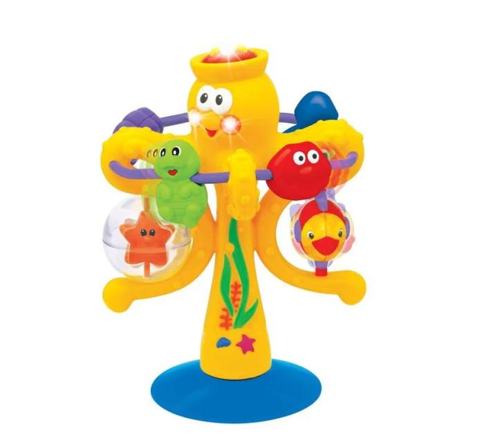 Развивающая игрушка Kiddieland Осьминог на присоскеОсьминог на присоскеРазвивающая игрушка Kiddieland Осьминог на присоске. Посмотрите на осьминога и его друзей: пингвина, моллюска, черепаху, золотую рыбку и морскую звезду!   Веселый Осьминог стоит на длинной ножке, которая крепится к столу с помощью присоски.  К Осьминогу крепятся разные игровые элементы: морская звездочка в прозрачном шарике (его можно крутить), рыбка (ей можно нажимать на плавники), а также длинная дуга, по которой свободно катаются пингвин, рыбка и ракушка. Кроме того, на голове осьминога шапочка с кнопочкой-звездой - на нее можно нажимать.   При нажатии на кнопки играет музыка.<br>