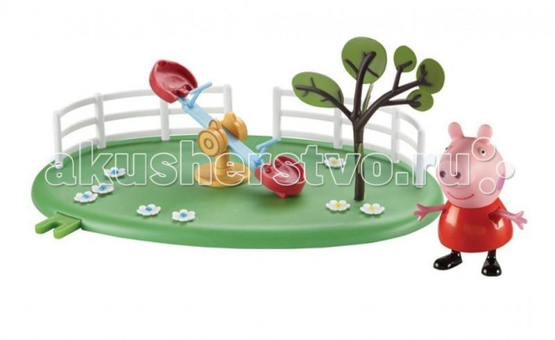 Peppa Pig Игровой набор Игровая площадка Качели-качалка ПепыИгровой набор Игровая площадка Качели-качалка ПепыPeppа Pig Игровой набор Игровая площадка Качели-качалка Пепы для развлечений свинки Пеппы и ее друзей.  На цветочной зеленой полянке с растущим деревом можно скатываться с веселой горки с лестницей, а чтобы Пеппа с друзьями не ушиблись, перед лестницей находится песочница.  Особенности:  Этот набор может соединяться по принципу пазлов с таким же набором или другими из этой серии: Качели-качалка или Качели. В наборе: площадка с горкой и фигурка свинки Пеппы (5 см) с двигающимися ручками и ножками. Игрушки изготовлены из безопасного пластика.  Товар сертифицирован.<br>