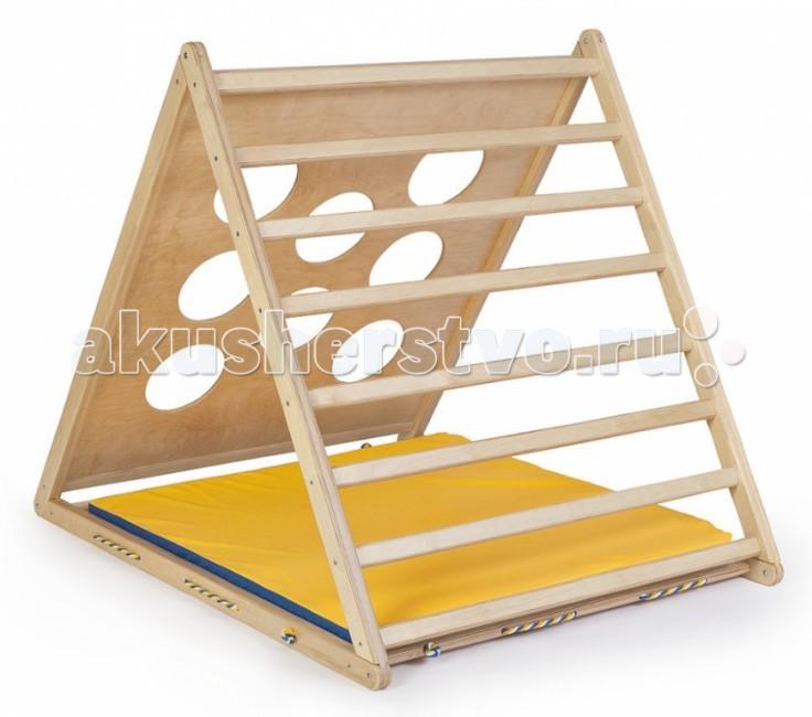 Kidwood Деревянный игровой комплекс ТреугольникДеревянный игровой комплекс ТреугольникKidwood Деревянный игровой комплекс Треугольник - деревянный домик, в котором можно играть и заниматься спортом. Переворачивая каждый день, получаем новые возможности и новые впечатления.  Сторона с веревочной сеткой: легко забраться наверх и с интересом спуститься по небольшим ячейкам.  Перелезаем на другую сторону - круглые окошки заменяют ступеньки. В них можно бросать мяч или выглядывать, как будто это окошки теремка.  Третья сторона - перекладины, равномерно расположенные по всей длине. Они образуют широкую лестницу. Можно забраться по ней, а можно спрятаться внутри Треугольника и висеть на перекладинах, цепляясь ногами и руками.  Переверните игровой уголок на треугольную сторону — можно забираться по сетке и спрыгивать внутрь. А обратно вылезать, карабкаясь по круглым окошкам или по перекладинам - это задание для самых ловких и сильных!  Основные характеристики: основание 112 &#215; 132 см высота 116 см три стороны: с сеткой, с круглыми окошками, с перекладинами комплектация: каркас с сеткой, мат гимнастический габариты упаковки: 120 х 138 х 21 см<br>