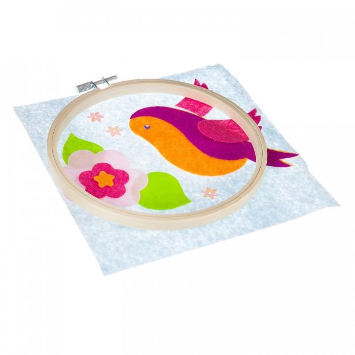 Аппликации для детей Bondibon Набор для творчества Аппликация из фетра на пяльцах Птичка- невеличка bondibon набор для творчества часы на пяльцах вв1699
