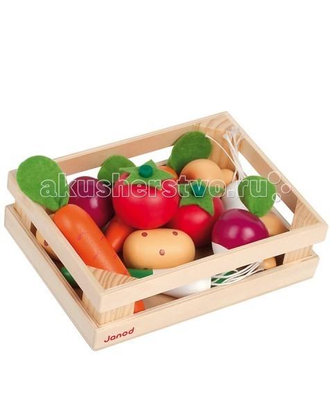 Деревянная игрушка Janod Набор овощей в ящике 12 элементовНабор овощей в ящике 12 элементовДеревянная игрушка Janod Набор овощей в ящике 12 элементов - замечательно подойдут в качестве аксессуаров для сюжетно-ролевых игр. Они пригодятся ребенку, который учится готовить, играя с детской кухней, или же для игры в магазин.   Яркие и веселые, приятные на ощупь деревянные овощи с мягкими тканевыми хвостиками, которые можно складывать в симпатичный ящик, очень понравятся Вашему малышу. Они специально сделаны не очень большими по размеру, чтобы удобно помещаться в маленькой детской ручке. Не отказывайте ребенку, если он попросит Вас заказать этот чудесный набор.   В комплекте: ящик 12 овощей.<br>