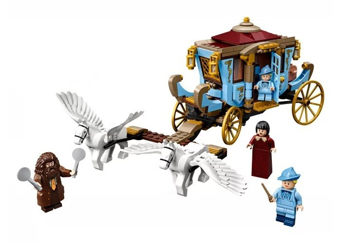 Конструктор Lego Harry Potter TM Карета школы Шармбатон: приезд в Хогвартс