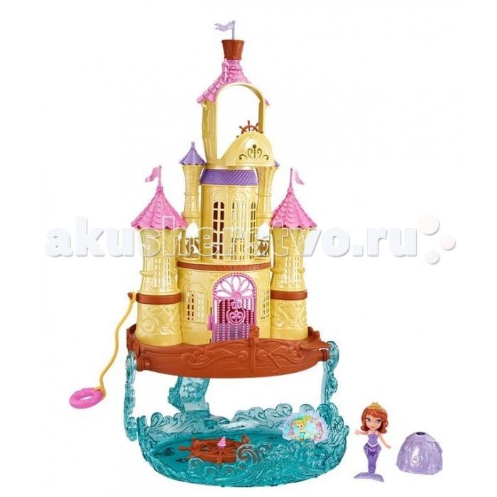 Sofia the First Mattel Игровой набор Морской дворец СофииMattel Игровой набор Морской дворец СофииMattel Игровой набор Морской дворец Софии  София Прекрасная умеет превращаться в русалку, и у нее есть шикарный Морской дворец! Этот замок имеет 3 этажа и участок с водой.   Замок оформлен в морском стиле, у него есть множество розовых и фиолетовых башенок, а сам замок золотой.   На верхнем этаже находится капитанский мостик с рулем, так что кукла София может управлять дворцом, как кораблем. Нижняя часть из полупрозрачного голубого пластика, имитирующего воду, может выдвигаться и превращаться в участок подводного мира.  Двери в замке открываются, руль можно поворачивать. Спасательный круг одновременно является подвижной качелей.   Сама куколка может трансформироваться из девочки в русалку, юбка отсоединяется, открывая хвост.   В наборе с замком идет также комплект кукольной мебели — стол со стульчиками. Можно пригласить других кукол на чаепитие на веранде этого удивительного Морского дворца!  Комплект: кукла, замок, аксессуары.<br>