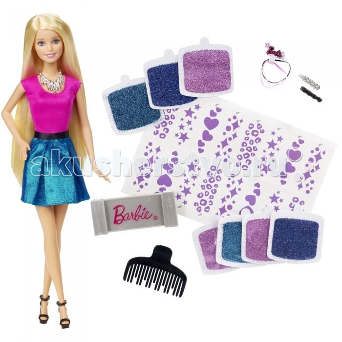Barbie Mattel Набор Блестящие волосыMattel Набор Блестящие волосыИгровой набор «Блестящие волосы» Барби отлично подойдет для юных стилистов.  С таким комплектом малышка придумает новые удивительные прически для куклы Barbie, дополняя ее разными аксессуарами.  Интересная игра с набором подарит девочке множество радостных мгновений и повлияет на творческие способности.  Высота куклы: 28 см  Комплектация: Кукла, разные виды расчесок для волос, трафареты и блестки.<br>
