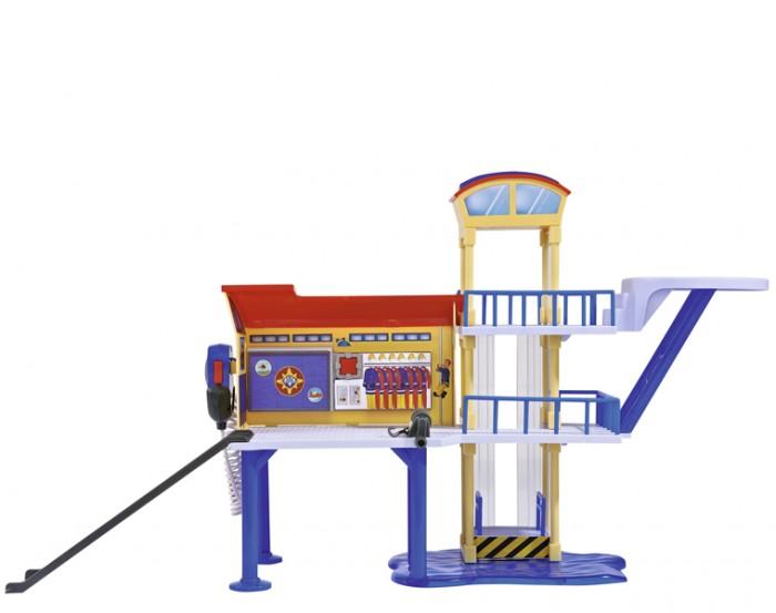 Simba Пожарный Сэм Морская станцияПожарный Сэм Морская станцияSimba Пожарный Сэм Морская станция с настоящей рацией, обязательно понравится вашему малышу и займет его внимание надолго.  Особенности: Станция оборудована горкой, лифтом, комнатой отдыха и вертолетной площадкой. Специальная лебедка поможет затащить судно или авто на станцию.  В набор входит фигурка спасателя Бена.  Требуются батарейки 3x 1.5V LR41, входят в комплект.<br>
