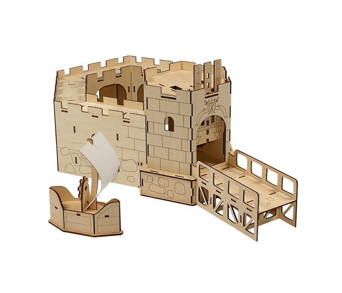 Конструктор Woody Королевский форт (70 элементов)Королевский форт (70 элементов)Конструктор Королевский форт состоит из 70 деталей, из которых собирается форт с подъемными воротами и лодка. С помощью зубчатого колеса ворота поднимаются вверх. Применение современных технологий при изготовлении деталей гарантирует их качество и точные размеры.   Детали удобно и надежно собираются между собой, хорошо поддаются раскрашиванию как красками, так и карандашами и фломастерами.  Игра в конструктор развивает творческие способности, навыки конструирования, усидчивость, воображение.   Состав набора: деревянные элементы 70 шт.  Деревянные игрушки «Вуди» дарят живую энергию натуральных материалов, доброту и улыбки сказочных персонажей, радость познания и удивительные открытия.   В игрушках «Вуди» заложена богатая методическая база для развития детей разного возраста. Каждая игрушка несёт в себе несколько развивающих функций. Любой персонаж, домик, буква или цифра - это оригинальная деревянная раскраска. Игрушки «Вуди» изготавливаются в Беларуси из высокосортной древесины без применения лакокрасочных покрытий, имеют сертификаты качества Беларуси, России, Украины, ЕС.<br>