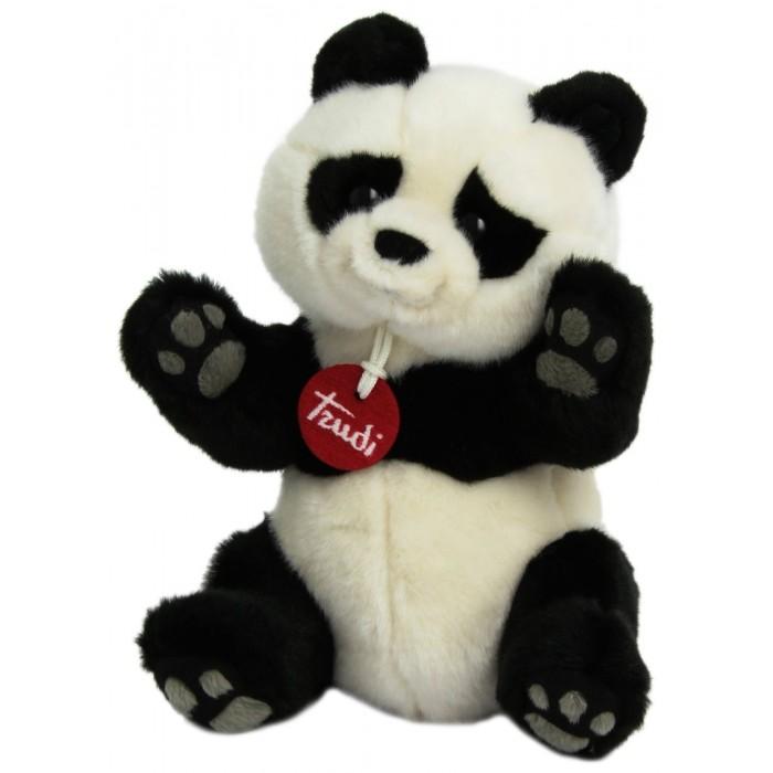 Мягкая игрушка Trudi Панда Кевин 24 смПанда Кевин 24 смМягкая игрушка Trudi Панда Кевин 24 см. Обаятельная, неуклюжая панда – воплощение нежности и беззащитности. Она может не растрогать и оставить равнодушным никого из жителей нашей планеты. Её очень любят за забавный вид и покладистый характер. Эта милая игрушка станет отличным подарком.   Вы можете не волноваться, что она будет пылиться в дальнем углу – этого не случится! Такая игрушка не может не очаровать! Панда изготовлена исключительно из высококачественных материалов.<br>