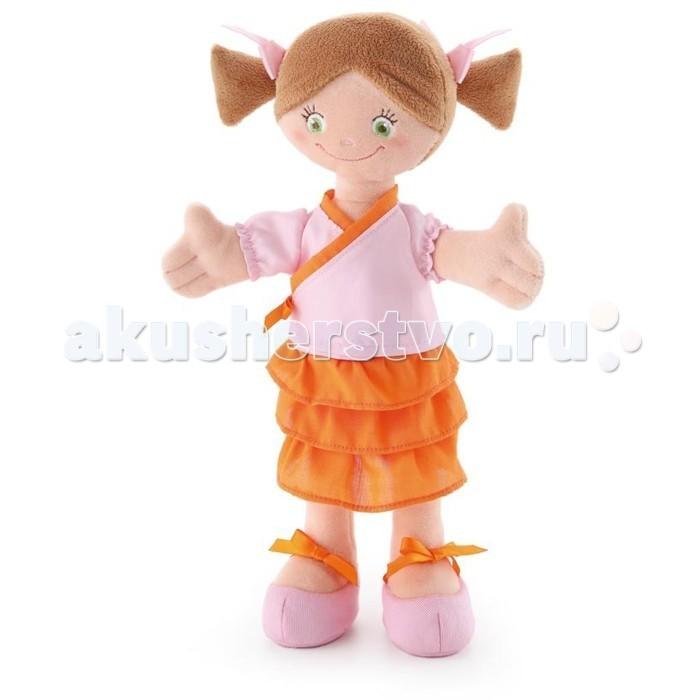 Trudi Мягкая кукла в кимоно 30 смМягкая кукла в кимоно 30 смМягкая игрушка Trudi Мягкая кукла в кимоно 30 см. Серия мягких куколок Trudimia выпускается итальянским брендом Trudi. Вряд ли найдется другая нация, где бы родители так любили и баловали детей, как итальянцы. Вот почему в мягких игрушках от Trudi воплотилась настоящая итальянская забота о детях.  Эта веселая плюшевая озорница станет настоящим другом вашему ребенку. С ней можно играть, засыпать или брать ее с собой на прогулку, Куколка сделана из мягкого и невероятно приятного на ощупь материала и одета в кимоно, которое можно снимать и надевать.   Не содержит жестких деталей, поэтому безопасна даже для самых маленьких детей.  Высота куклы: 30 см<br>